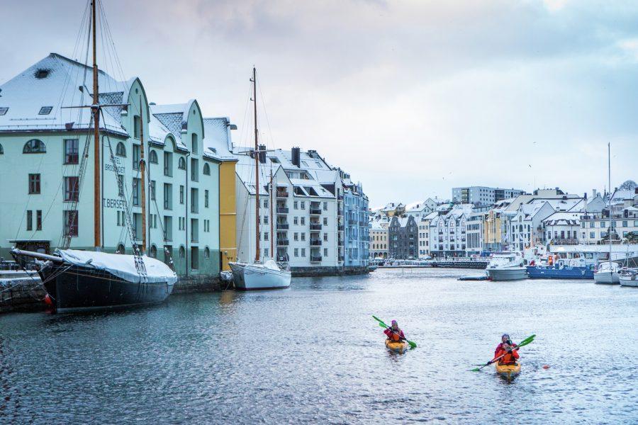 Kayaking-alesund-Norway-HGR-128723_1920