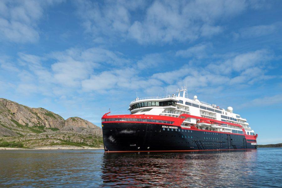 amundsen_1st-sailing